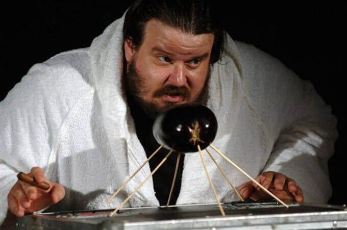 """Giuseppe Battiston nello spettacolo """"Orson Welles' Roast"""""""