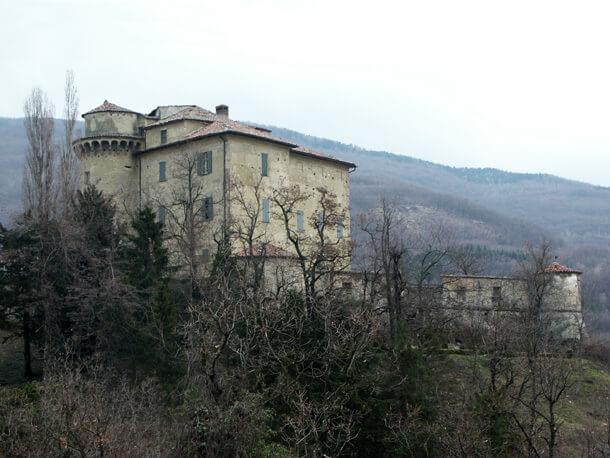 castello_Borgo_Adorno