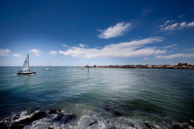 Il Tevere sfocia nel Mar Tirreno a Fiumicino (Giudicianni & Biffi)