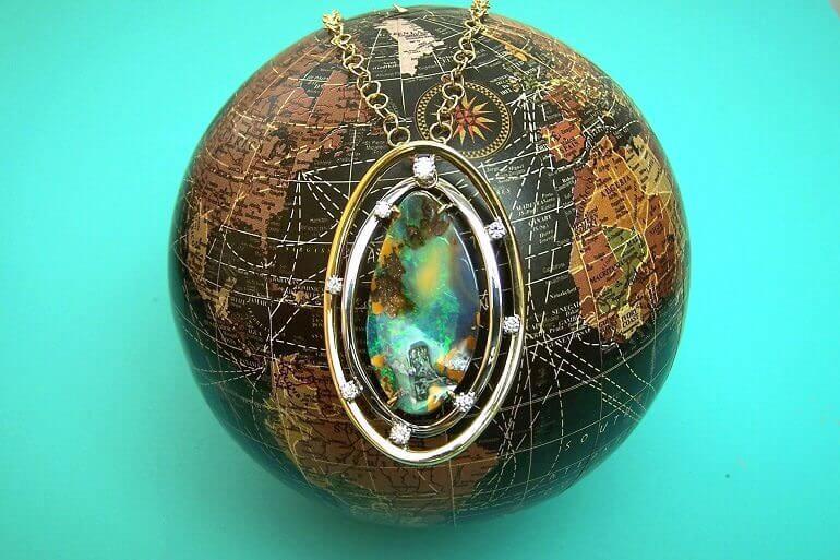 il gioiello Gaia del laboratorio orafo Cazzaniga