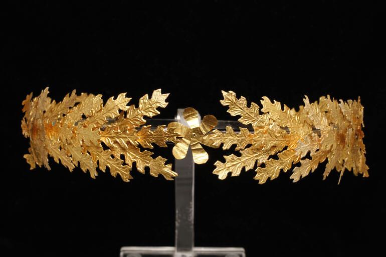 Corona aurea a foglie di quercia, Museo Archeologico Nazionale di Taranto