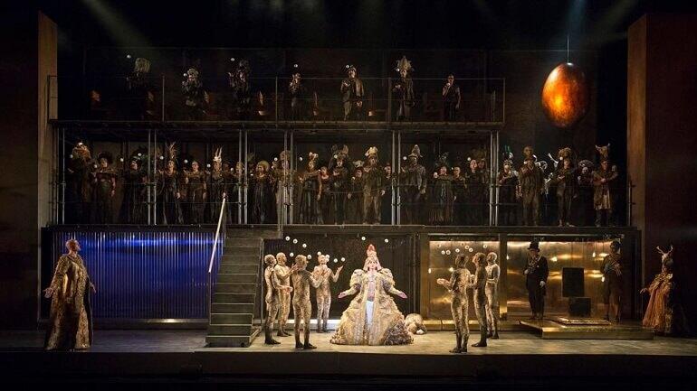 L'opera Akhnaten di Philipp Glass all'English National Opera di Londra. Foto di Richard Hubert Smith