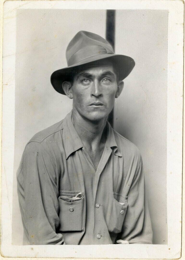 Seated man (Daulton Hartsfield) 1940 C Mike Disfarmer courtesy of the Edwynn Houk Gallery New York