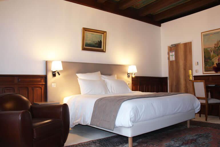 Una camera dell'Hotel Au Charme Rabelaisien ad Amboise