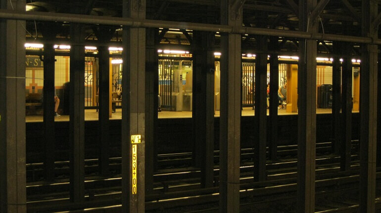 Una stazione della metropolitana di Manhattan