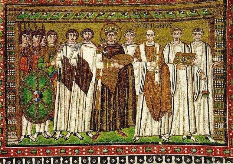 Giustiniano raffigurato su un mosaico nella chiesa di San Vitale a Ravenna