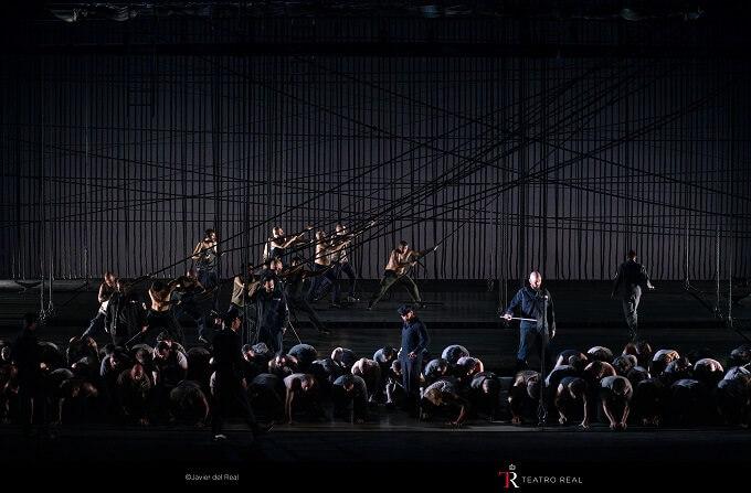 """Solisti, coro e attori di """"Billy Budd"""" al Teatro Real di Madrid"""