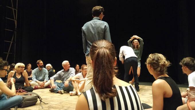 """Lo spettacolo performance """"Louvre I"""" di Alex Cecchetti al Teatro dell'Arte della Triennale di Milano"""
