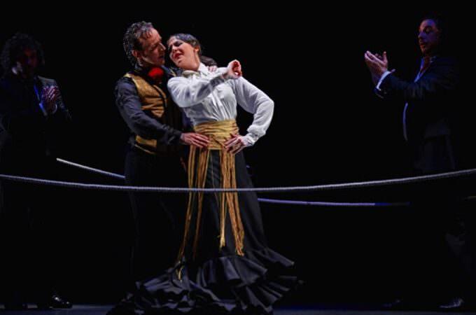 """Manuel Liñán e Lucia Álvarez in """"Reversible"""" - spettacolo di flamenco"""