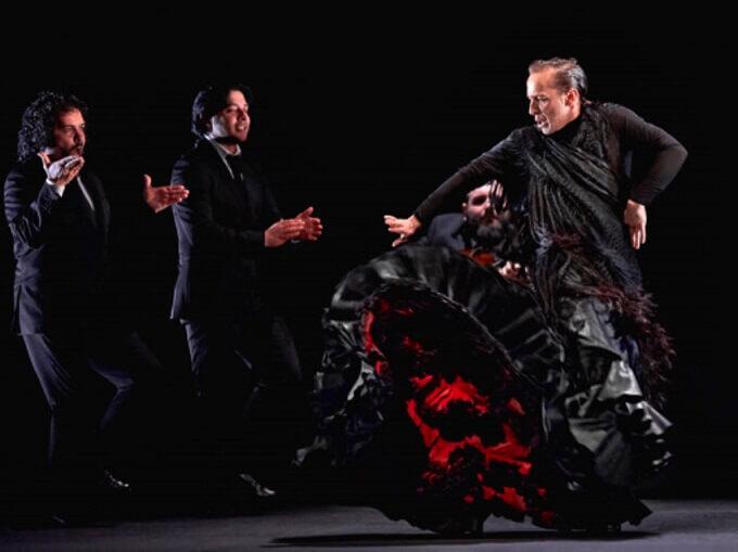 """Un momento dello spettacolo di flamenco """"Reversible"""" della Compagnia Manuel Liñán"""