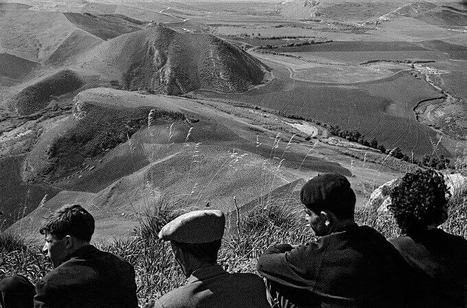 Ferdinando Scianna, Roccamena, Palermo 1963 - © Ferdinando Scianna/MagnumPhotos/Contrasto