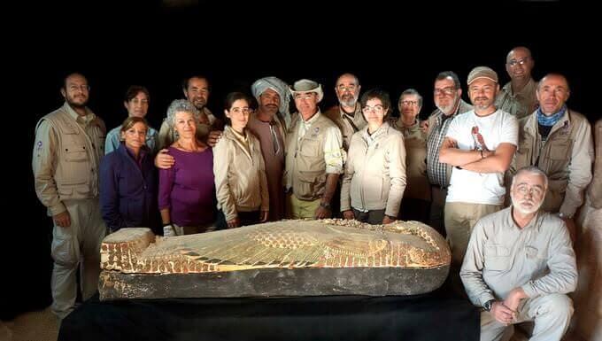 L'equipe impegnata nelle campagne di scavo del Progetto Djehuty
