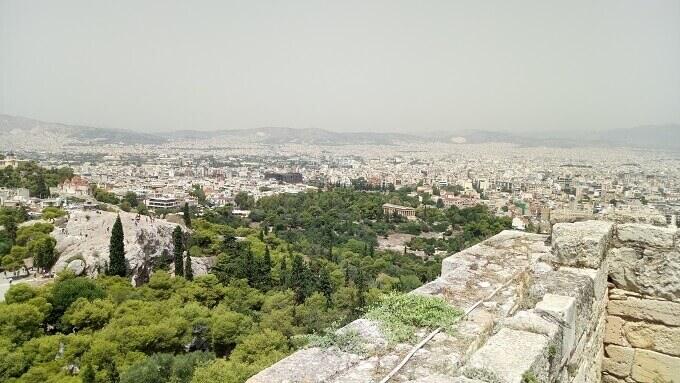 Una panoramica su Atene vista dall'Acropoli