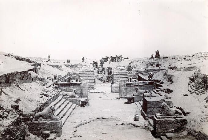 Foto degli scavi di Vogliano_Medinet Madi_Civica Biblioteca Archeologica e Numismatica