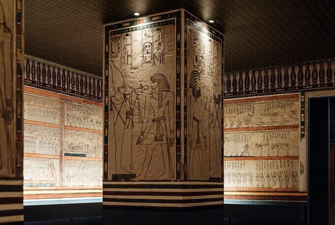 La ricostruzione della Sala 1 della tomba di Amenofi II al MUDEC di Milano