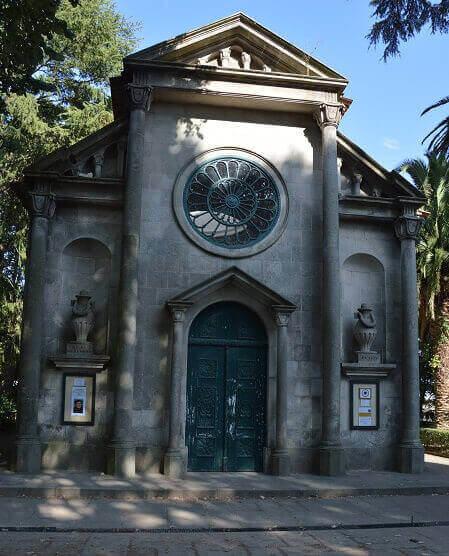 La cappella in memoria di Carlo Alberto a Porto