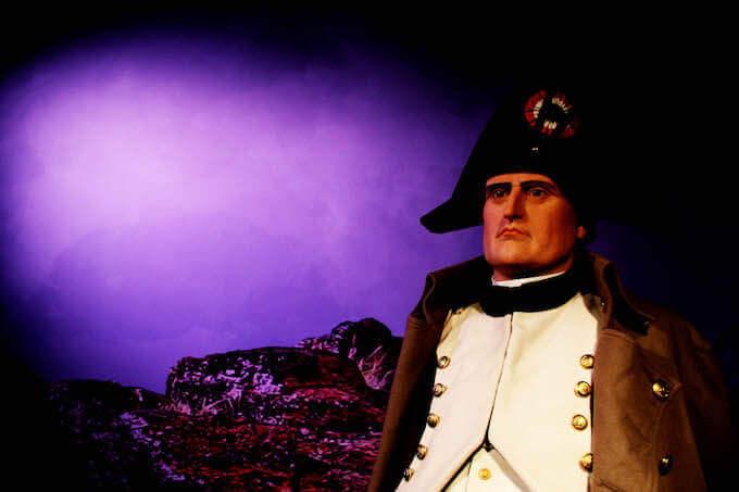 """Il manichino di Napoleone in esilio nella mostra """"J'Arrive. Napoleone Bonaparte, I cinque volti del trionfo"""""""