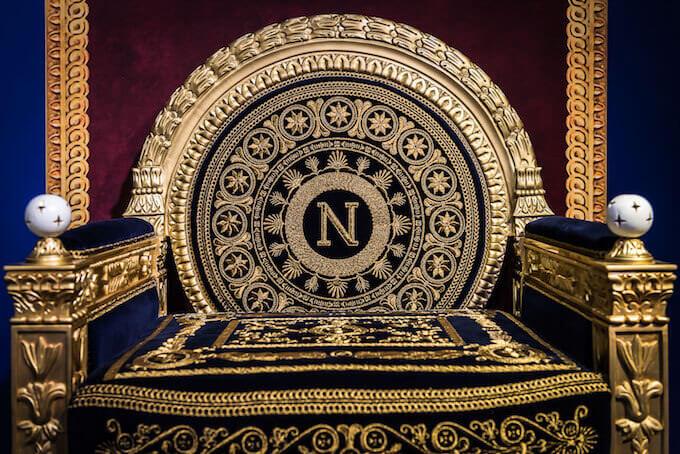 """Il trono imperiale di Napoleone nella mostra """"J'Arrive. Napoleone Bonaparte, I cinque volti del trionfo"""""""
