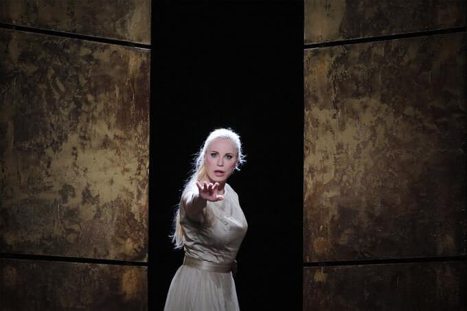Nadja Michael nell'Elektra di Strauss — foto di Bruno Simão