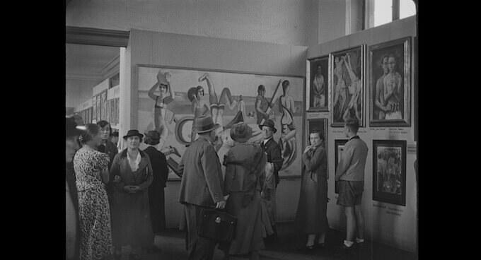 Un'immagine della mostra sull'arte degenerata del 1937