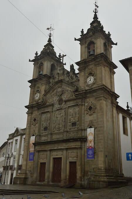 La chiesa di Santa Cruz (Santa Croce) a Braga, in Portogallo