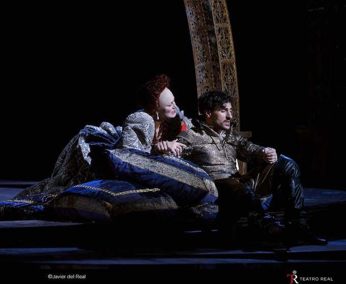 """Anna Caterina Antonacci e Leonardo Capalbo in """"Gloriana"""" di Benjamin Britten"""
