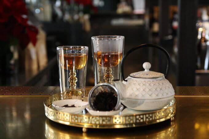 Il locale Liquors di Monza propone un originale abbinamento cocktail + tè