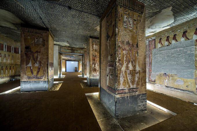La riproduzione della camera funeraria della tomba di Seti I