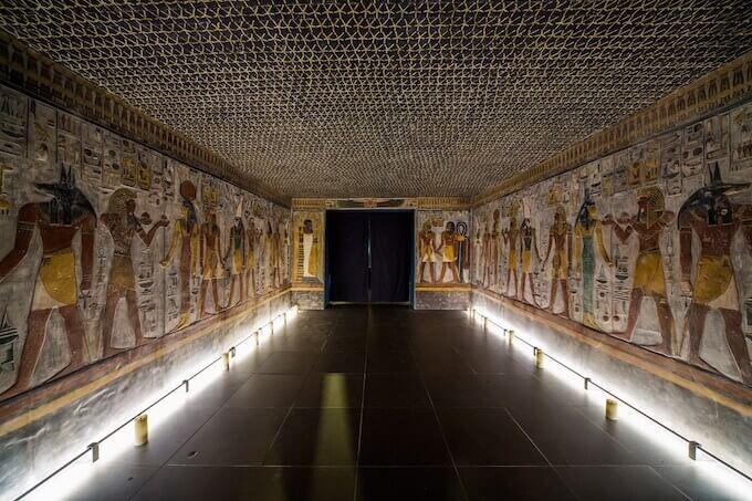 """La riproduzione della """"Sala delle Bellezze"""" della tomba di Seti I"""
