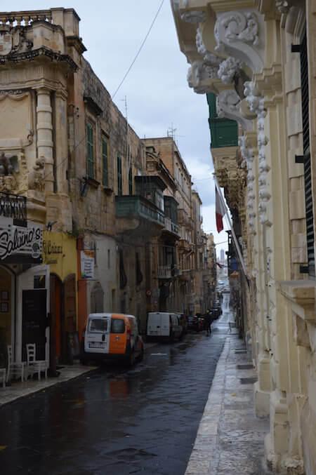 Via dell'Arcivescovado a La Valletta, Malta