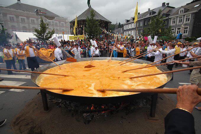 La frittata gigante di Malmedy, in Vallonia