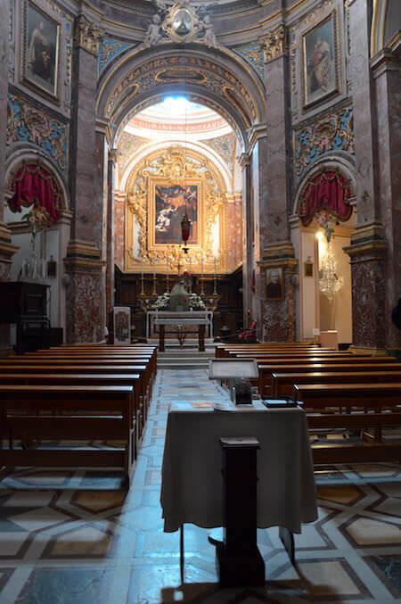 L'interno della chiesa dell'Annunciazione di Nostra Signora a Rabat, sull'isola di Malta