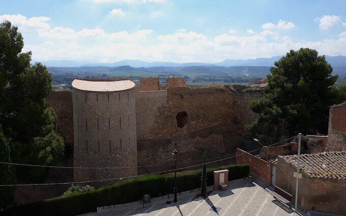 Il castello di Mora d'Ebre in Catalogna