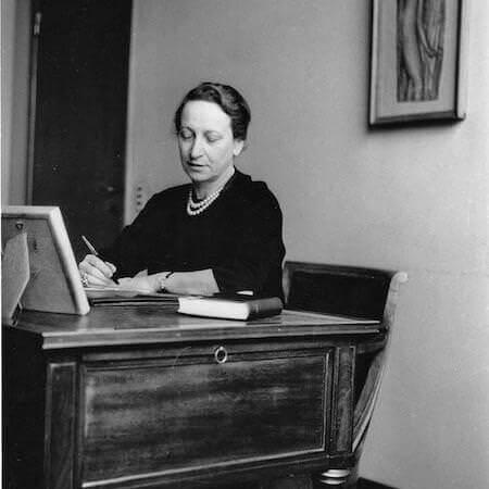 Fernanda Wittgens nel suo ufficio a Brera (1955 circa)