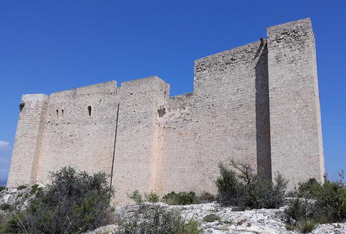 Il castello dei Templari a Miravet, in Catalogna