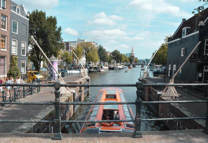 Amsterdam: il canale della chiusa