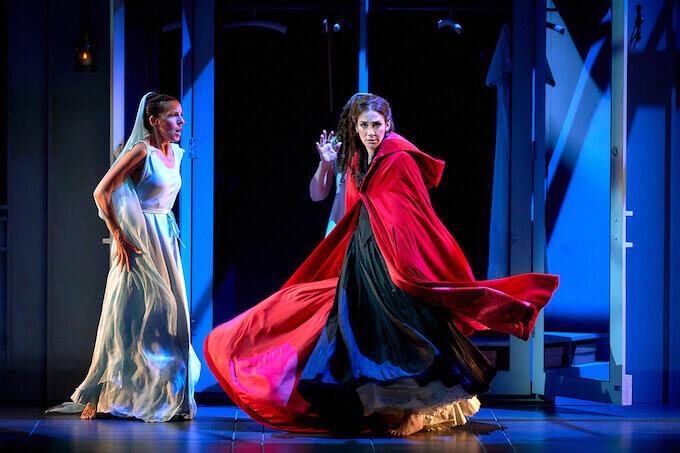 """Cecilia Solaguren e Marta Poveda in """"La dama duende"""""""