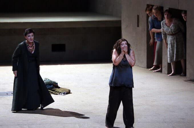 "Waltraud Meier e Ricarda Merbeth in ""Elektra"" di Strauss alla Scala"