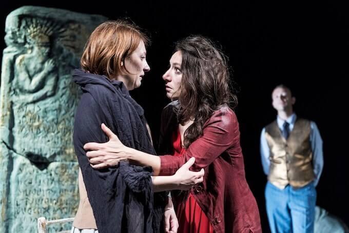 """Francesca Porrini, Arianna Scommegna e Stefano Orlandi in """"Antigone"""""""