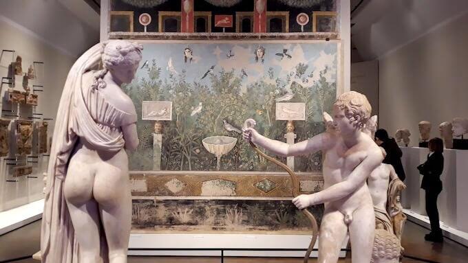 """Una sala della mostra """"Ovidio. Amori, miti e altre storie"""" allestita alle Scuderie del Quirinale a Roma"""