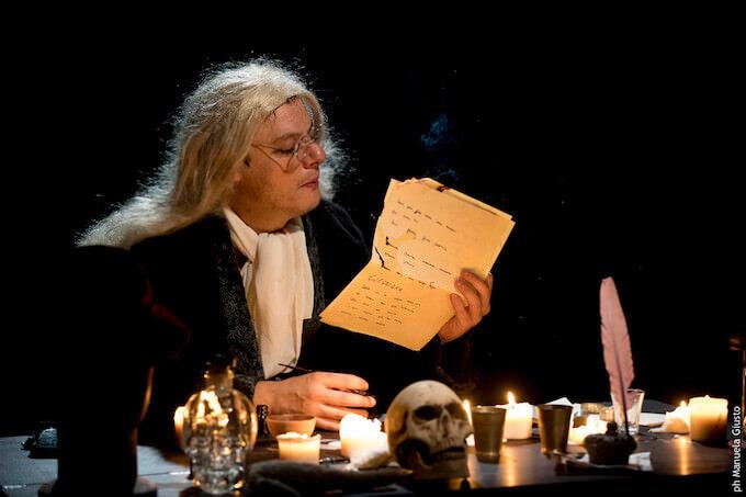 """Lino Musella in """"30 sonetti di Shakespeare"""" - foto di Manuela Giusto"""