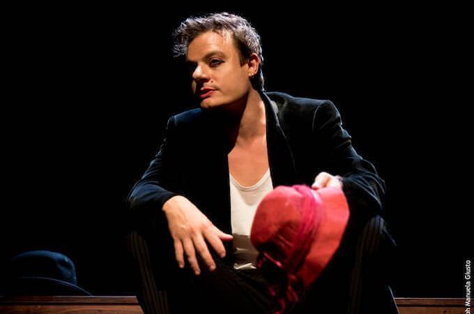 Lino Musella recita i sonetti di Shakespeare traditi e tradotti da Dario Iacobelli