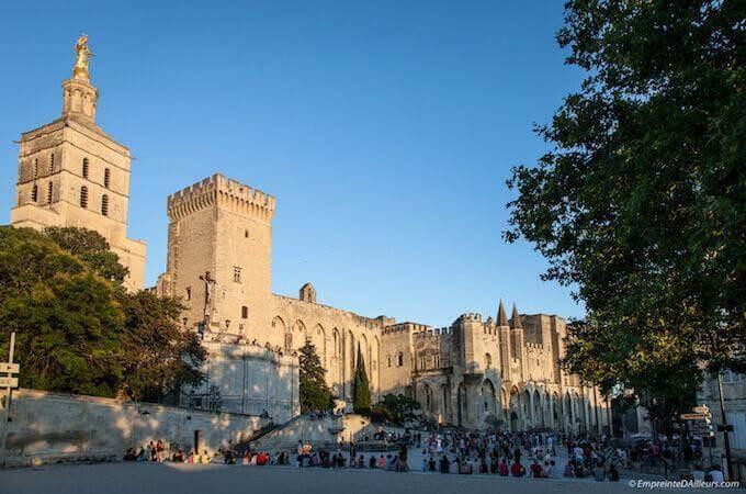 Il Palazzo dei Papi ad Avignone - ©EmpreinteDAilleurs
