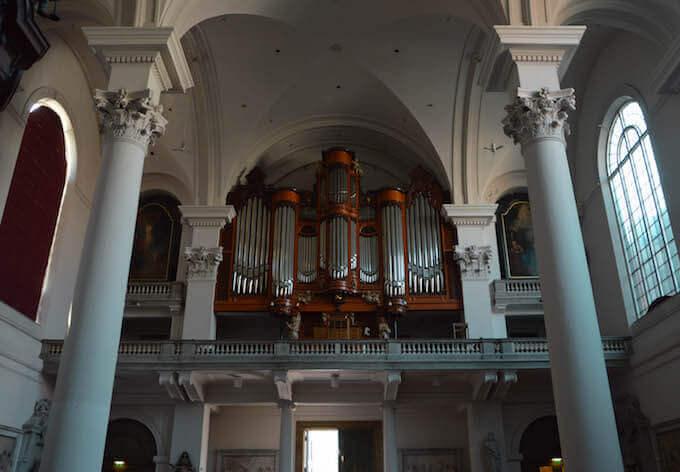 L'organo della chiesa di Mosè e Aronne ad Amsterdam