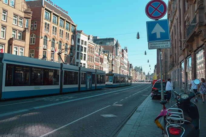 Amsterdam: guardando indietro verso la Stazione