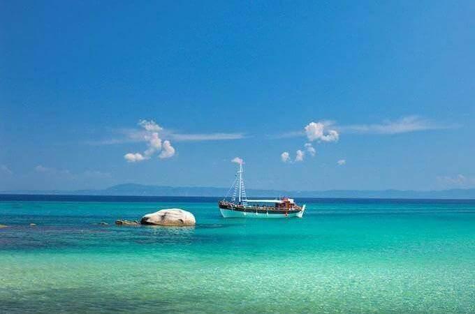 Lo splendido mare della Penisola Calcidica