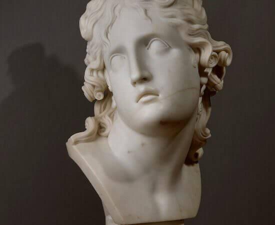 Antonio Canova, Testa del Genio della morte, 1791. Marmo - Foto © Alexander Koksharov, San Pietroburgo, Museo Statale Ermitage, 2019