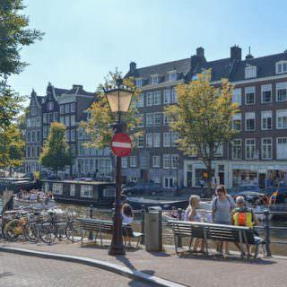 Amsterdam: il canale su cui si affaccia la casa di Anna Frank