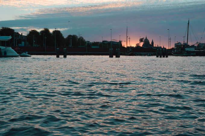 Amsterdam: tramonto su San Nicola