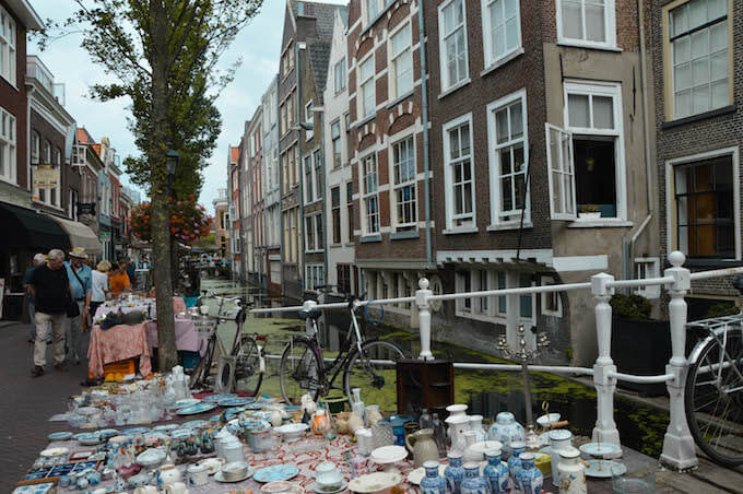 Delft: un mercatino su un canale
